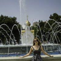У фонтана. Анапа :: Gennadiy Karasev