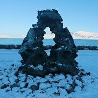 Странный памятник :: Михаил Лобов (drakonmick)