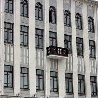 дом с балконом :: Ольга Полозкова