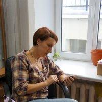 Портрет Мельниковой Екатерины на рабочем месте :: Юрий А. Денисов