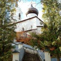 Храм в Михайловском :: Александр
