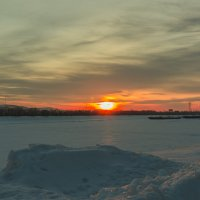 Шлюзовой канал на закате... :: Сергей Сердечный
