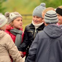 Девчачий консилиум. :: Лариса Красноперова