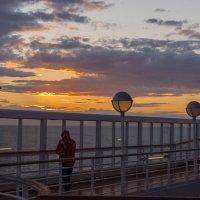 Закат на палубе лайнера Принсендам. :: Olga Koroleva