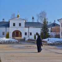 Высоцкий мужской монастырь в Серпухове :: Светлана Лысенко