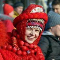 приветливые улыбки масленицы :: Олег Лукьянов