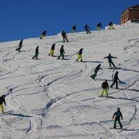 Лыжники на Чегете.. :: Олег Петрушин