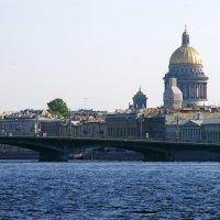 Вид на Исакиевский собор :: Валерий Новиков