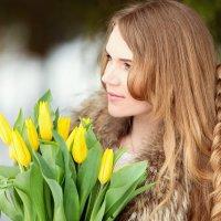 Жёлтые тюльпаны :: Юлия Скороходова