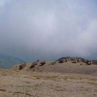 Каменные Грибы или Столы богов на северном склоне Эльбруса (на высоте 3000 м) :: Vladimir 070549