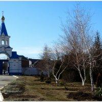 Врата и подворье ростовского Свято-Иверского женского монастыря... :: Тамара (st.tamara)