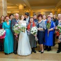 Свадьба еще не начала петь и плясать :: Надежда Макарова