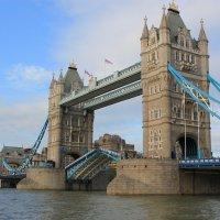 разведение Тауэрского моста :: Olga
