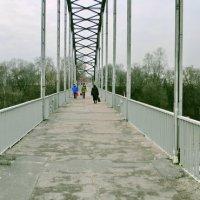 Пешеходный мост через реку Сож в Гомеле -панорама :: yuri Zaitsev