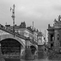 Мост Легионов и Национальный театр :: Eugene *