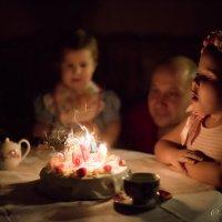 задувание свечей :: Мария Корнилова