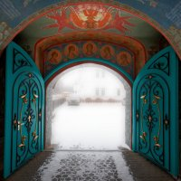 Врата... (Толгский монастырь) :: Сергей