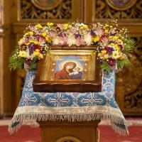 Напрестольная Казанская икона Божией Матери в Казанском храме Борисоглебска :: Алексей Шаповалов Стерх
