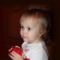 Маленькая, да удаленькая. :: Наталья Юрова
