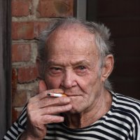Посижу, покурю... :: Юрий Гайворонский