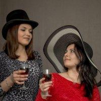 Сестринское винопитие. :: Андрей Печерский