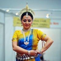 Восточные танцы... :: Семен Кактус