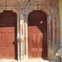 Двери в старый храм :: Андрей ТOM@©