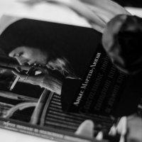 счастливые люди читают книжки и пьют кофе :: Александра Зайцева