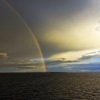 Радуга в Балтийском море :: Александр Рябчиков