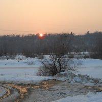 За рекой, за лесом солнышко садится.... :: Галина Медведева