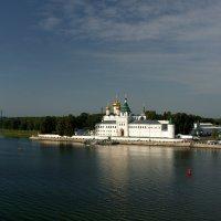 Там, где Кострома впадает в Волгу. Ипатьевский монастырь. :: Александр Смирнов