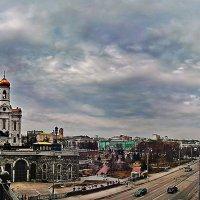Москва река и Кремль сегодня :: Борис Соловьев