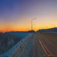 Мороз,закат,дорога... :: Oleg Akulinushkin