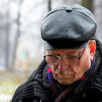 Под дождём. :: Leonid Volodko