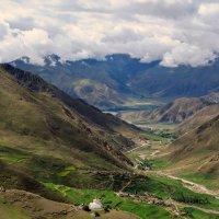 Тибет. Среди белых облаков :: Александр