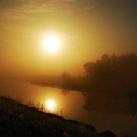 восход на реке :: sergej-smv