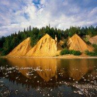 Красный камень в Национальном парке Югыд ва :: Сергей Соколов