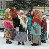 Северодвинск. Масленица. В перерыве между плясками (2) :: Владимир Шибинский