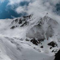 в горах поднимается ветер :: Виктор Ковчин