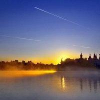 Свет,скользящий по воде :: Валерий Талашов