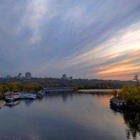 Любимый город в лучах заката :: Валентина Данилова