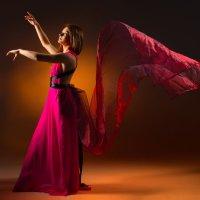 Танец :: Антон Трофимов