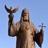 памятник Алексию II :: Petr Popov