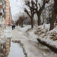 Весна в городе :: Валентин Котляров