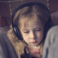 Музыка в наушниках- как удобно мне! :: Ирина Данилова