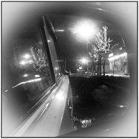 Ночь, улица, зеркало автомобиля... :: Дмитрий Калмыков