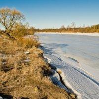 Весенняя река. :: Виктор Евстратов