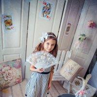...она продолжала стремительно уменьшаться. :: Татьяна Исаева-Каштанова