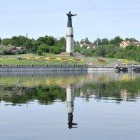 Монумент Матери,Чебоксары. :: Алексей .