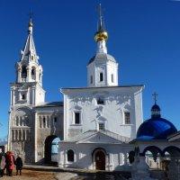 В Свято-Боголюбском женском  монастыре :: Galina Leskova
